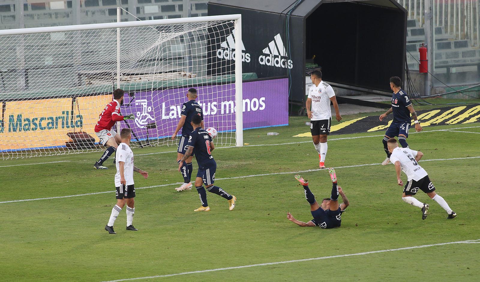 Colo Colo venció a Universidad de Chile y extiende su invicto en el Estadio Monumental