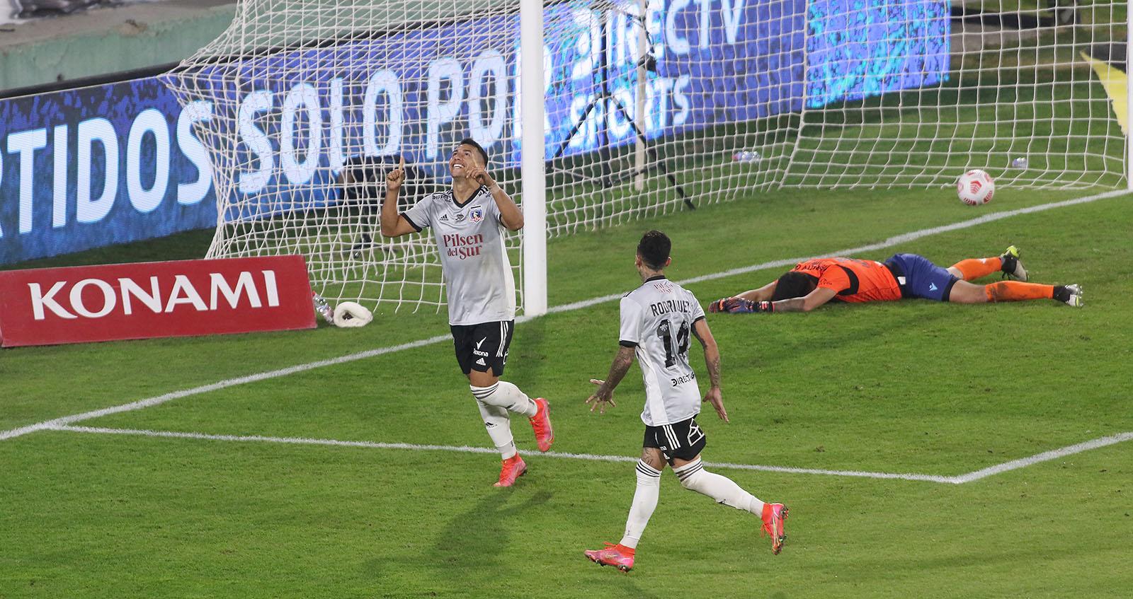 Colo Colo venció a Deportes La Serena y escaló a los primeros lugares de la tabla