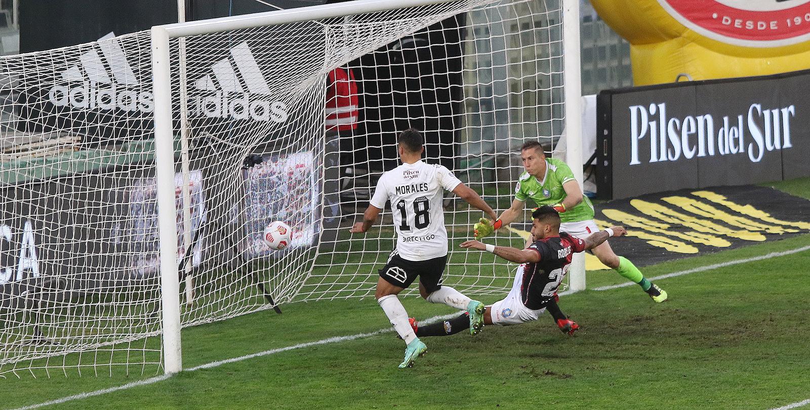 Colo Colo venció a Deportes Antofagasta y es el líder momentáneo del Torneo