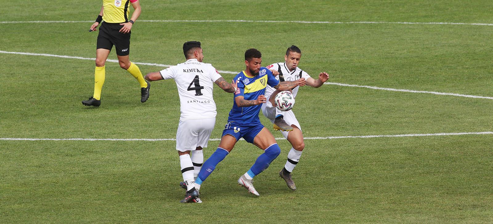 Santiago Morning derrotó a Barnechea en La Pintana y vuelve a la lucha por el liderato