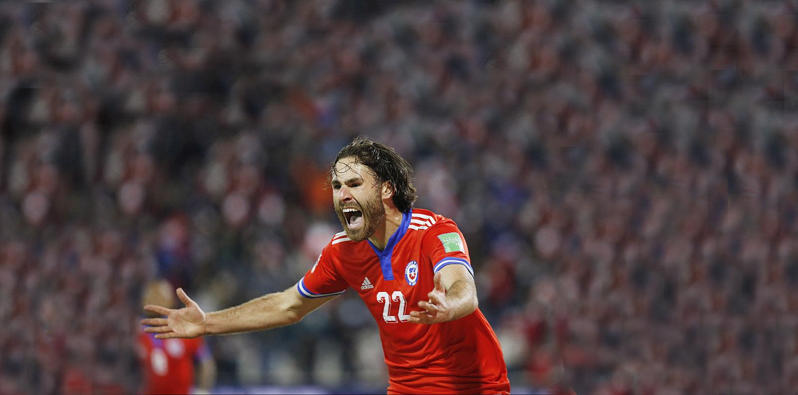 La Roja venció a Paraguay y se mantiene con vida en las clasificatorias al Mundial de Qatar